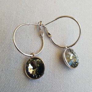 Jewelry - Stunning hoop earrings with swarowski crystals